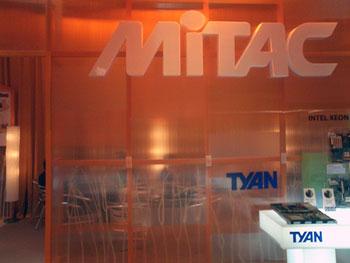 MiTAC社のブースはTICCの1階に設置されていた